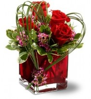 Nice Red Roses With Vase